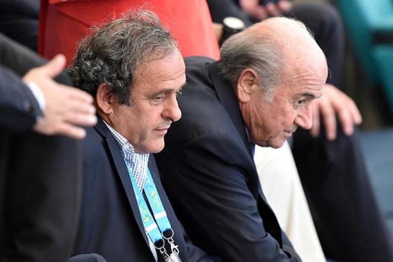 Обыски прошли в Федерации футбола Франции, изъяты документы по платежу Блаттера