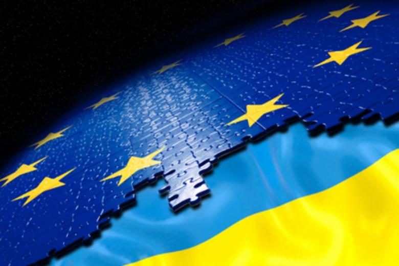 ЕКофициально предложила отменить визы для украинцев