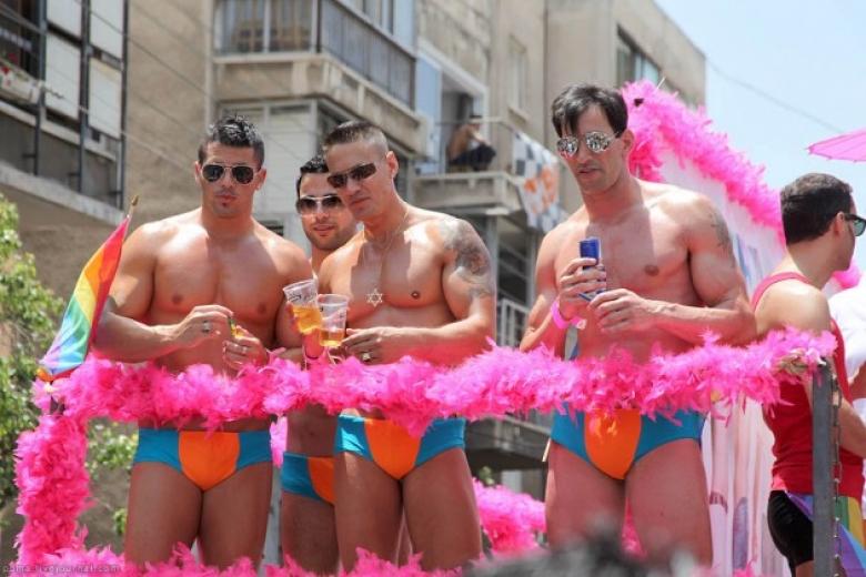 Смотреть онлайн о гомосексуалистах 17 фотография
