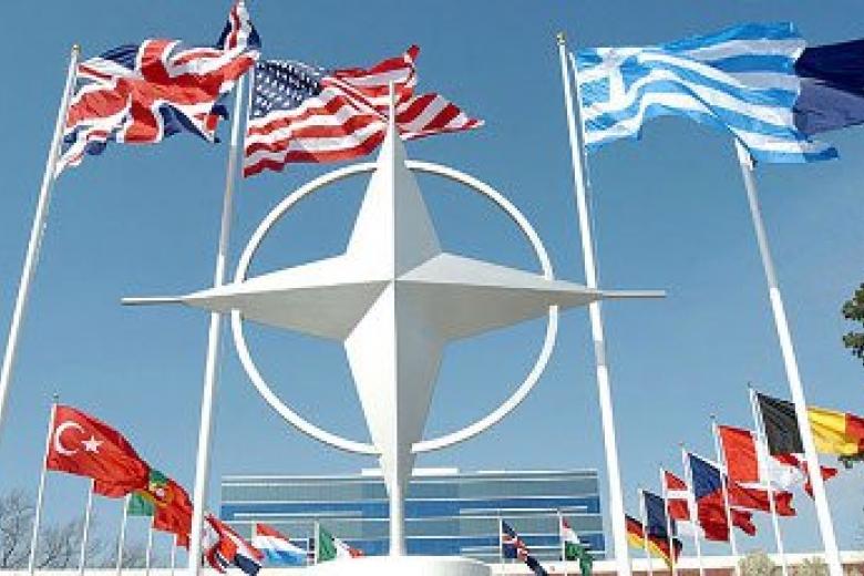 Дуда призвал НАТО вести открытую политику вотношении Украинского государства