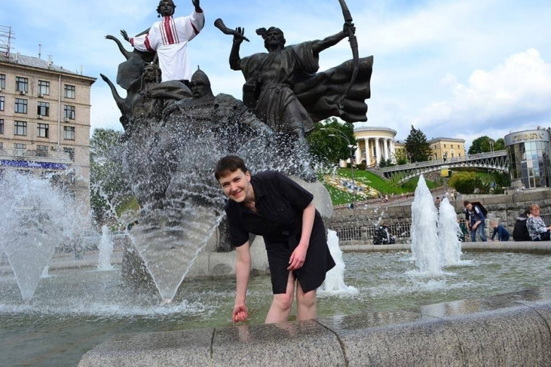 Савченко смитингующими провела уадминистрации Порошенко всю ночь