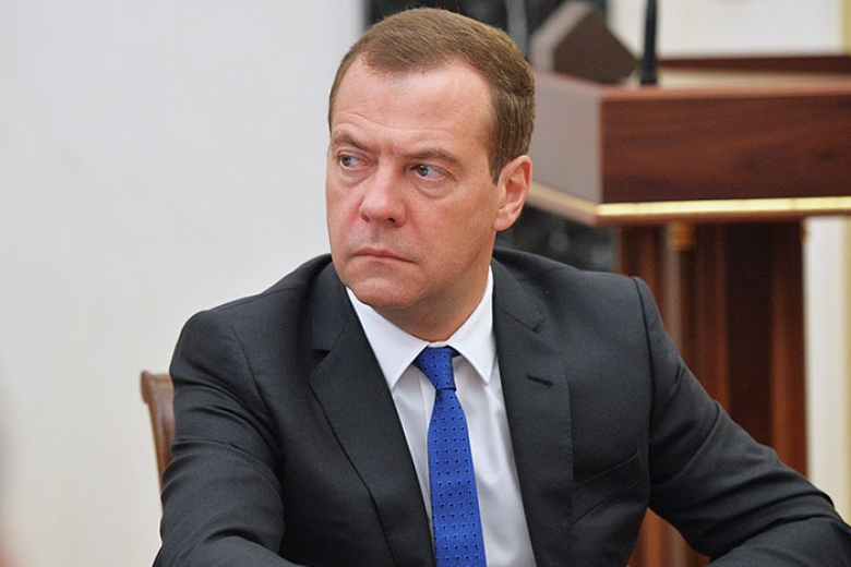 Медведев считает возможным разрыв дипотношений с государством Украина