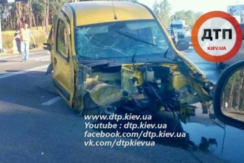 Натрассе под Киевом столкнулось 5 авто