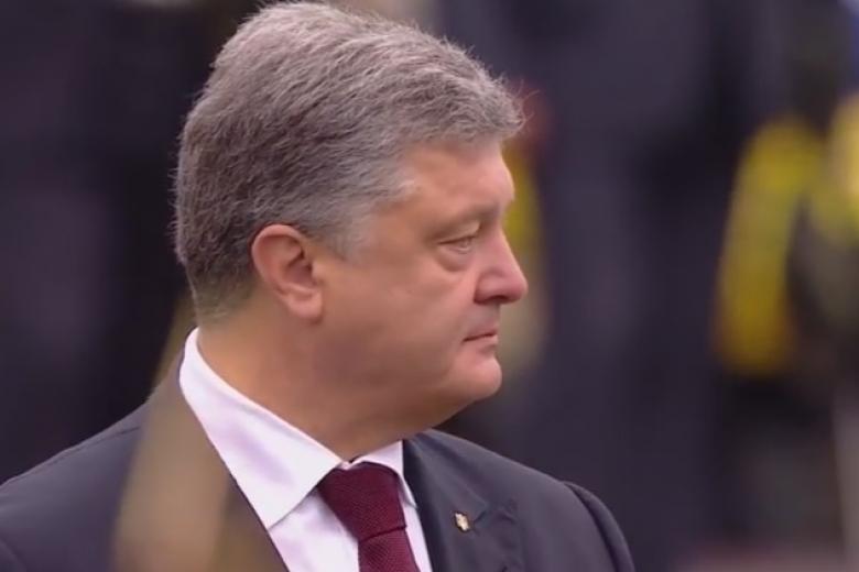 Ввойне наДонбассе погибли 2,5 тысячи украинских военных— Порошенко