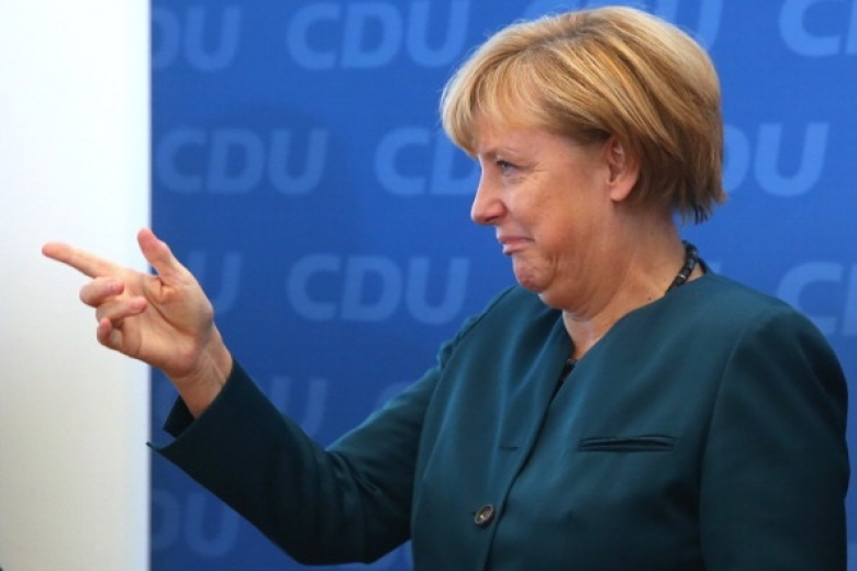 Меркель: когда 1-ый русский танк пересек границу Украинского государства, ябыла ошеломлена