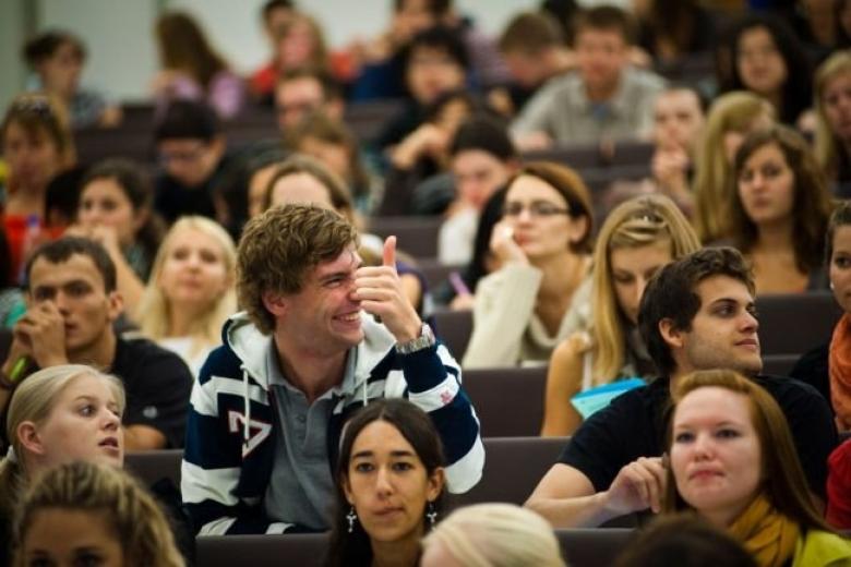 Замминистра: Студентам оставят стипендии
