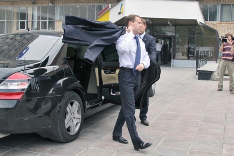 В 2017-ом году пенсии проиндексируют постарой схеме— Медведев