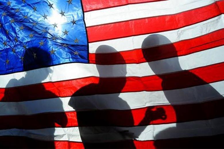 США пригрозили РФ терактами вгородах и«военными вмешках для трупов»