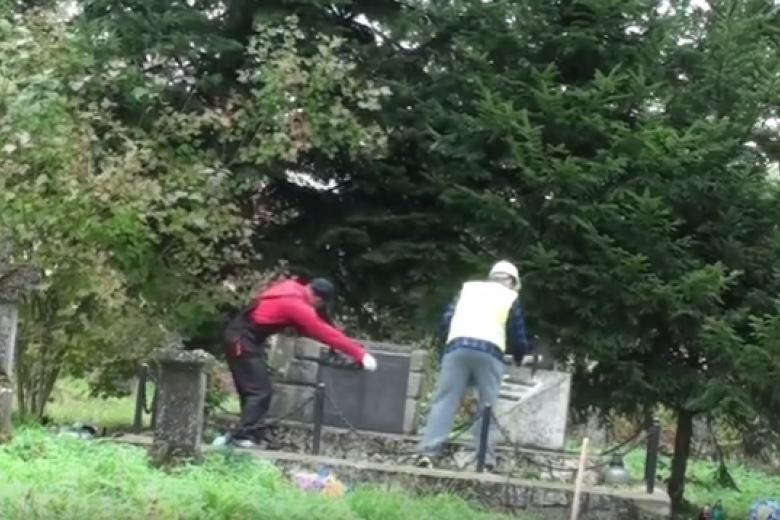 ВПольше вандалы разрушили монумент солдатам УПА