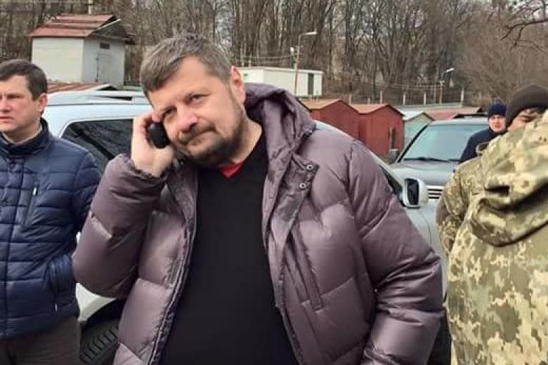 Мосийчук внес вдекларацию «черных человечков» и множество холодного оружия