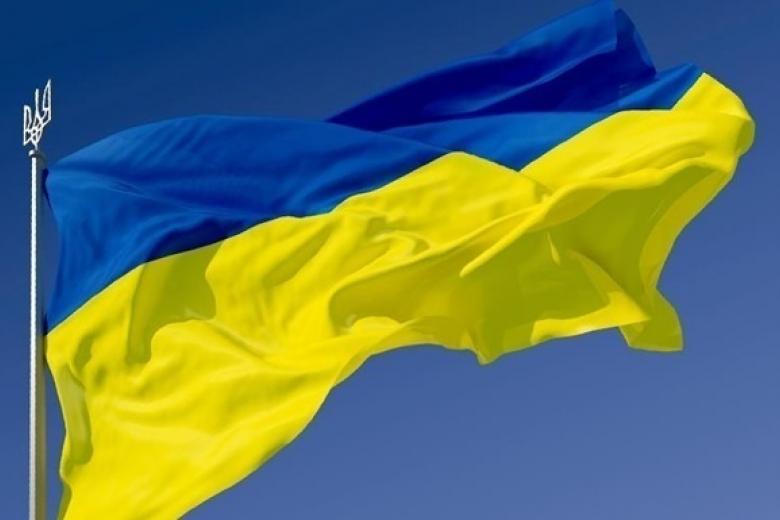 Киев готовит ноту вМИД Польши после сожжения желто-голубого украинского государственного флага
