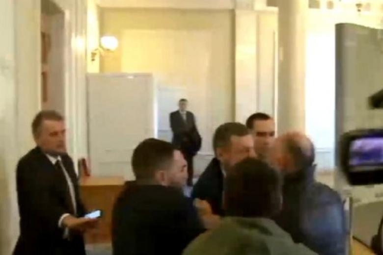 Новая драка вРаде: потолкались радикал Мосийчук и«человек Медведчука»