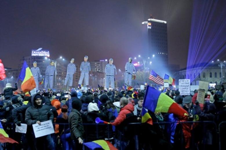ВРумынии до 500 000 человек участвуют вакциях протеста против руководства