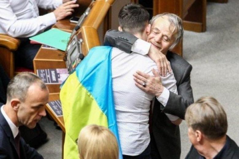 Джемилев: наданный момент  ябыне обнял Савченко