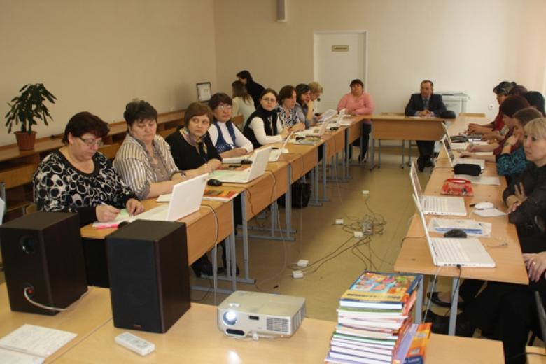 Украинские учителя прошли тесты для выпускников  натройки