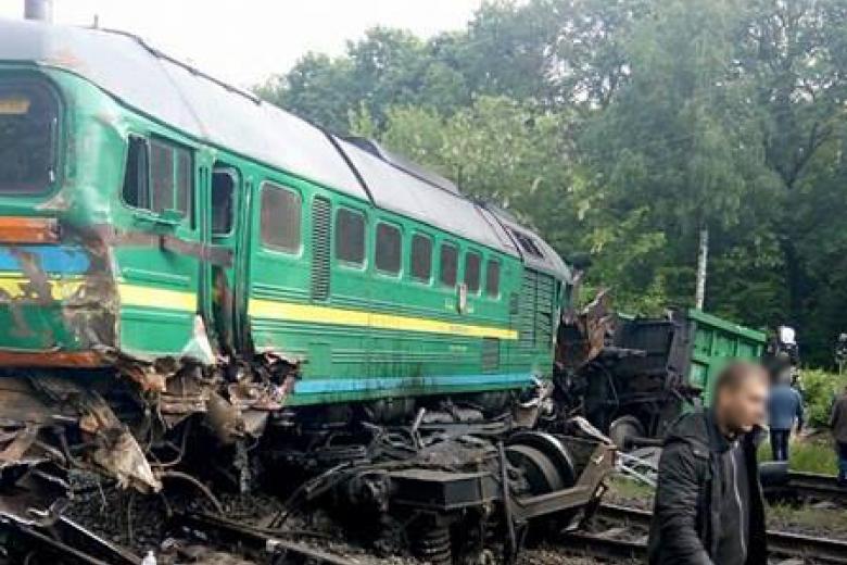 """""""Укрзалізниця"""" звільнила 10 працівників, винних в аварії потягів на Кам'янеччинi"""