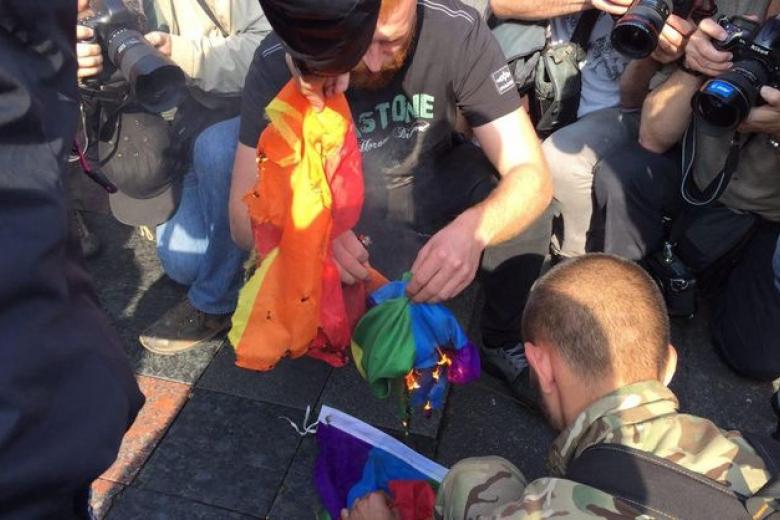 Националисты заблокировали улицы украинской столицы чтобы сорвать гей-парад