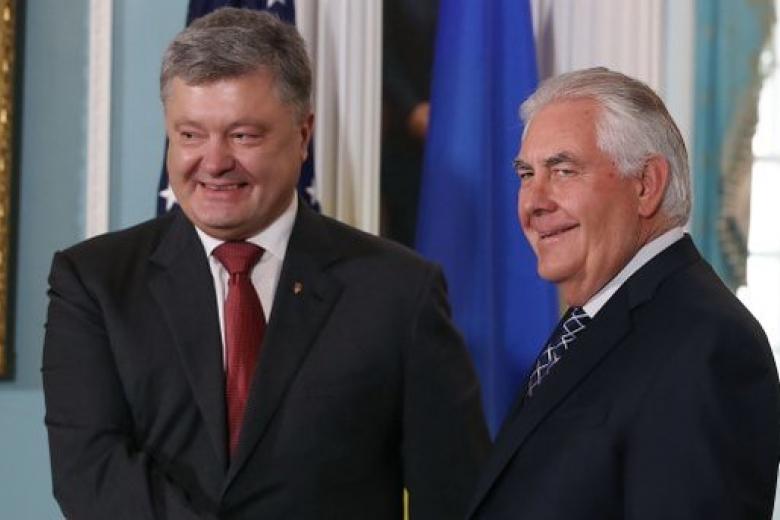 Порошенко рассчитывает насохранение иусиление международных санкций США противРФ
