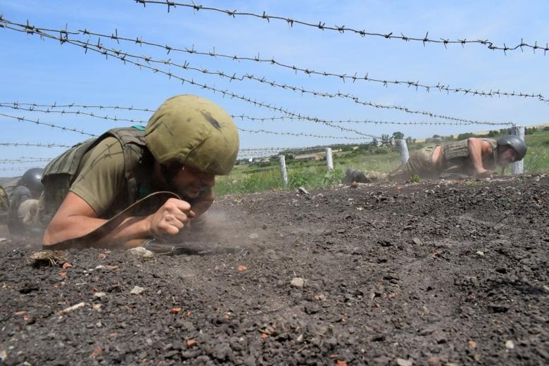 ВУкраинском государстве поведали, как будет называться силовая операция вДонбассе— Вместо АТО