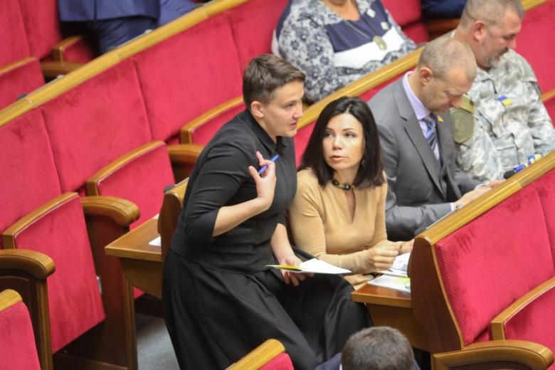 Савченко явилась на совещание  Рады внаряде монашки