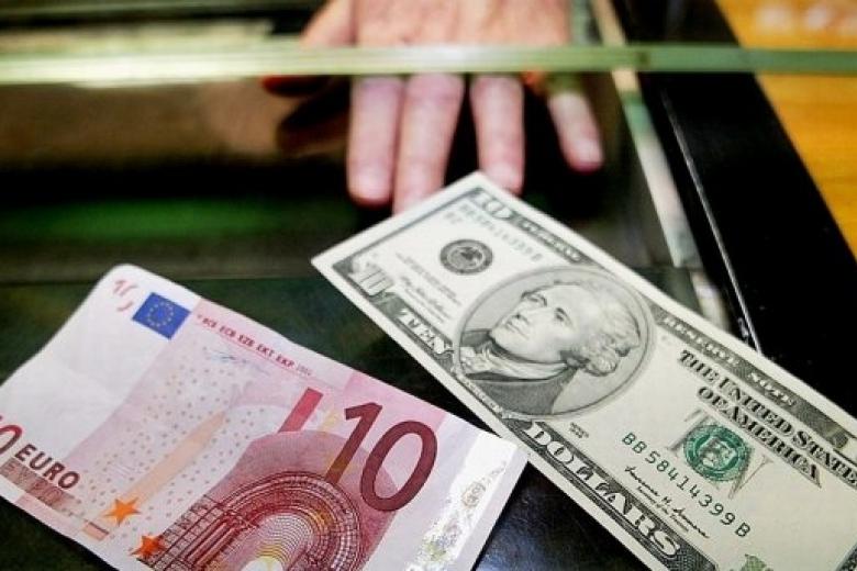 Доллар иевро ссамого начала дня растут крублю