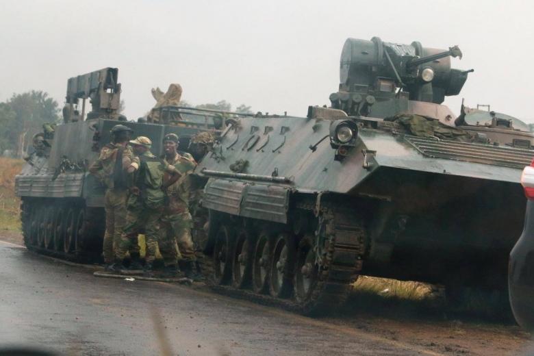 Организаторы военного перелома вЗимбабве арестовали президента Мугабе