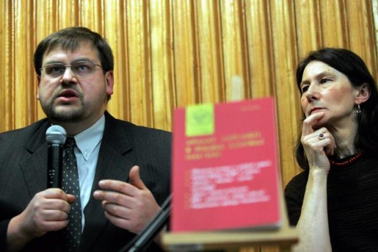 Варшава строго отреагировала надепортацию историка Генрика Глембоцкого
