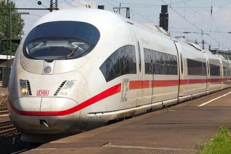 Укрзализныця открывает онлайн-продажу билетов напоезда в EC
