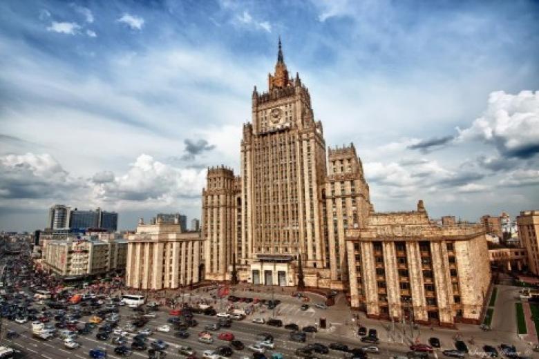 США вооружат Украинское государство, а РФ - Донбасс?