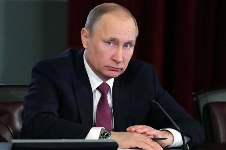 Путин: РФготова передать Украине десятки военных кораблей исамолетов