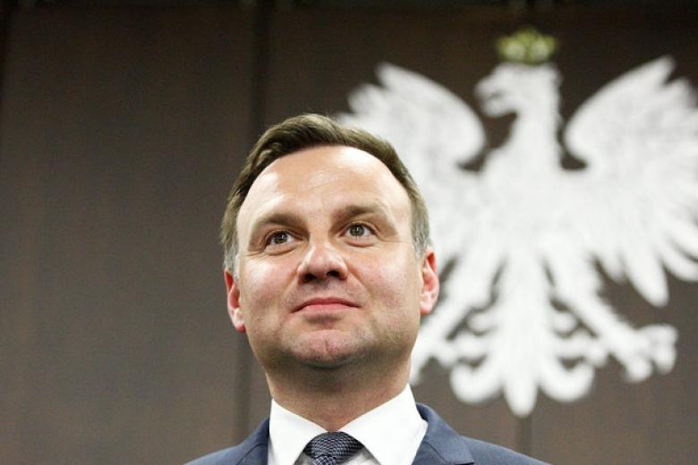 Президент Польши запретил торговлю повоскресеньям