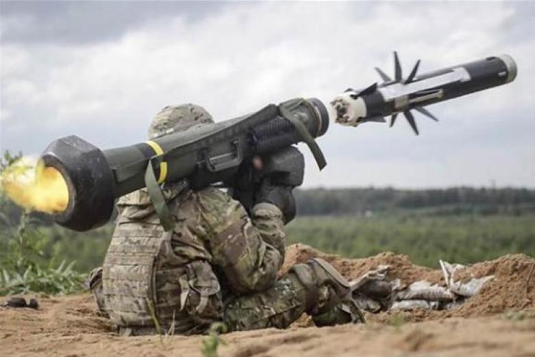 Полторак: предоставление Украине летальных вооружений - сигнал для РФ