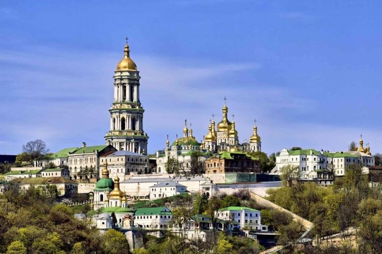 Украинцев призвали молиться заПорошенко— Единая церковь