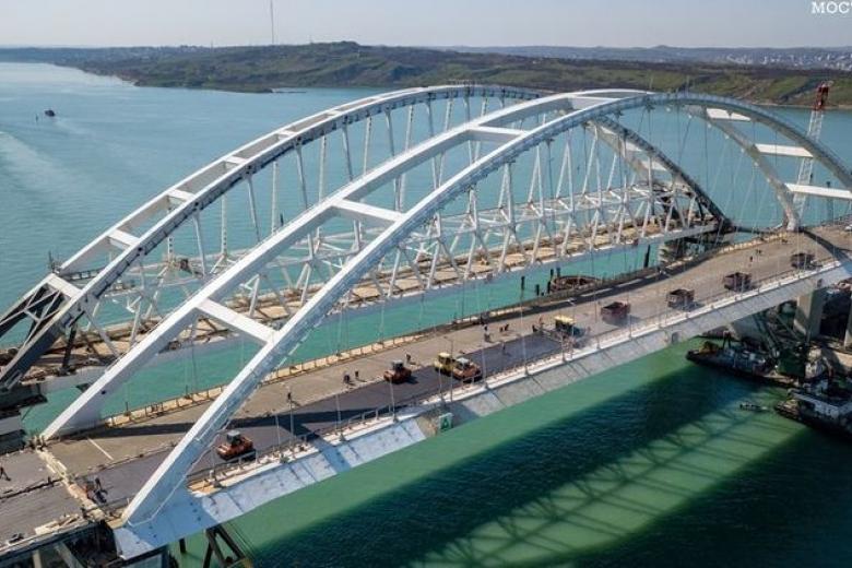Украина несет огромные убытки из-за Керченского моста: Омелян озвучил цифру