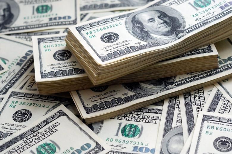 Украинцам упростили перевод иностранной валюты