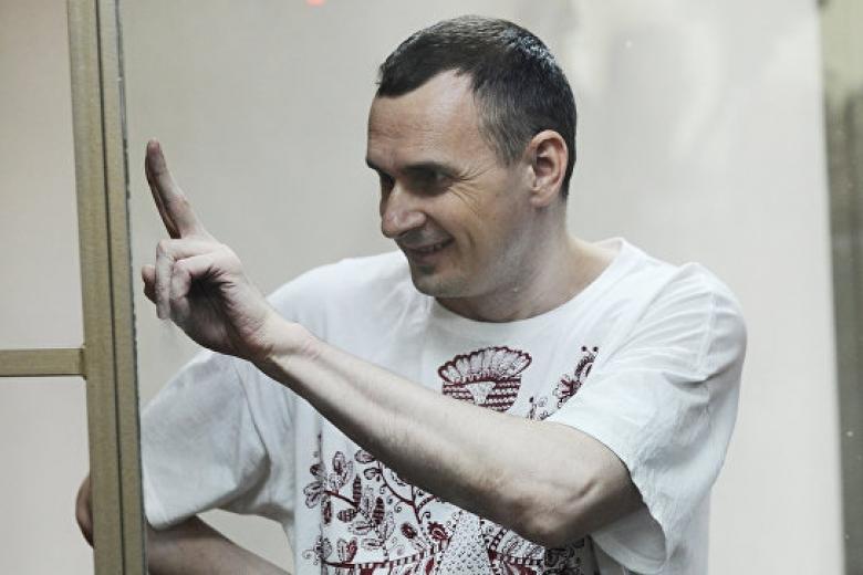 После окончания голодовки Сенцов начал писать сценарий отюремной жизни